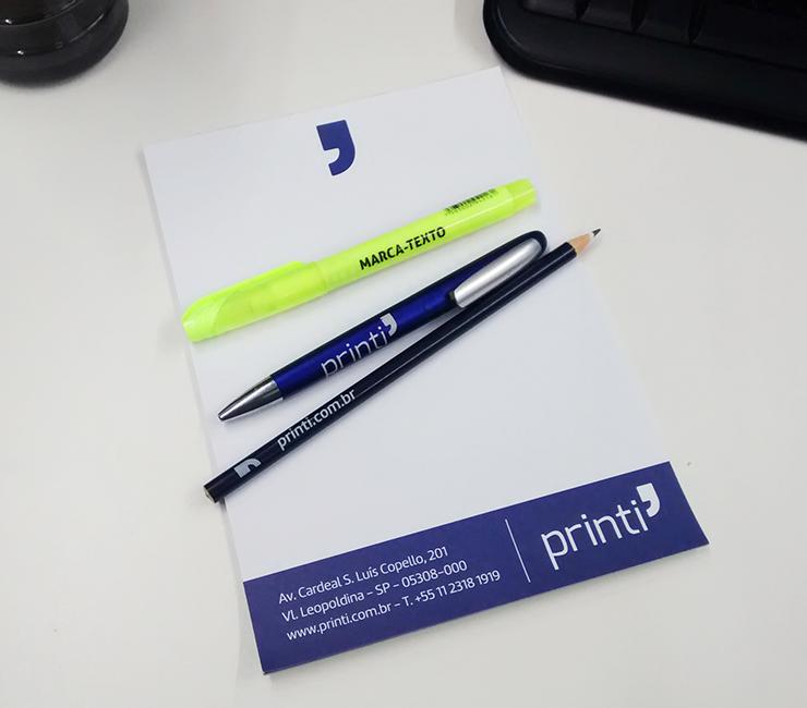 materiais personalizados para escritório