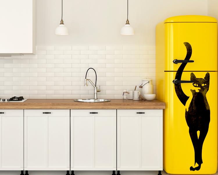 4 ideias para decorar sua cozinha com adesivo de geladeira inspiração cozinha branca com geladeira amarela personalizada