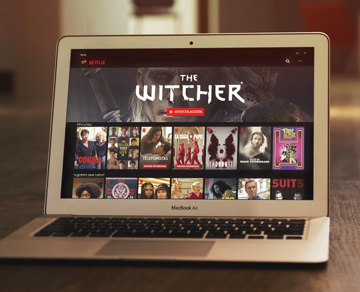série the witcher sendo reproduzida em um macbook